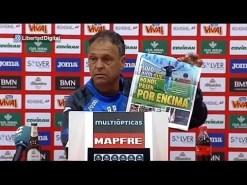Caparrón hace aññicos un ejemplar del Marca en rueda de prensa (video)