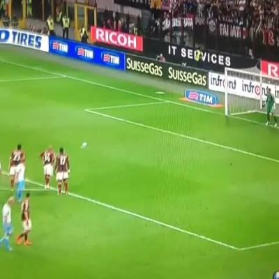 Diego López gana y para un penalty en su debut con el AC Milan (video)