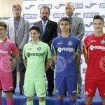 El Getafe presenta sus nuevas equipaciones para la temporada 2016 (Foto)