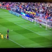 Magia de Messi para adelantar al FC Barcelona desde el punto de penalti (Vídeo)