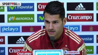 Vitolo mete la pata en su primera rueda de prensa con España (Vídeo)