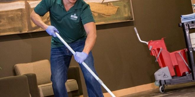 خدمات تنظيف شامله