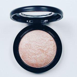 Soft and gentle softandgentle mac maccosmetics highlight highlighter glow makeupreviewhellip