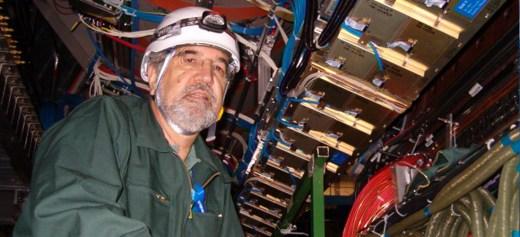 Ο Έλληνας καθηγητής Φυσικής που συγκαταλέγεται στη «Dream Team» του CERN