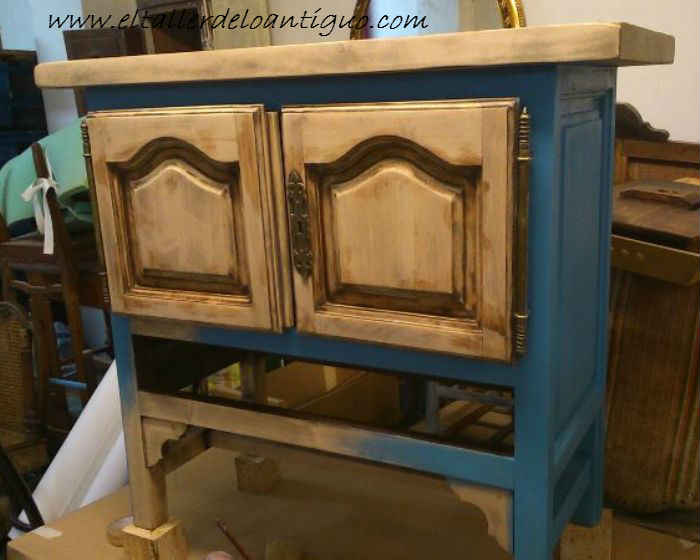 2-Pintamos-en-Azul-Altea-un-Mueble-de-Tele
