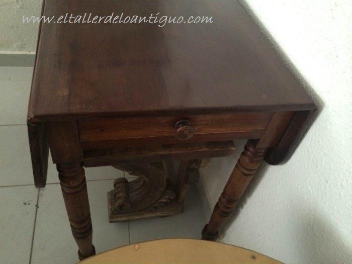 1-pintar-una-mesa-de-caoba-con-elegancia