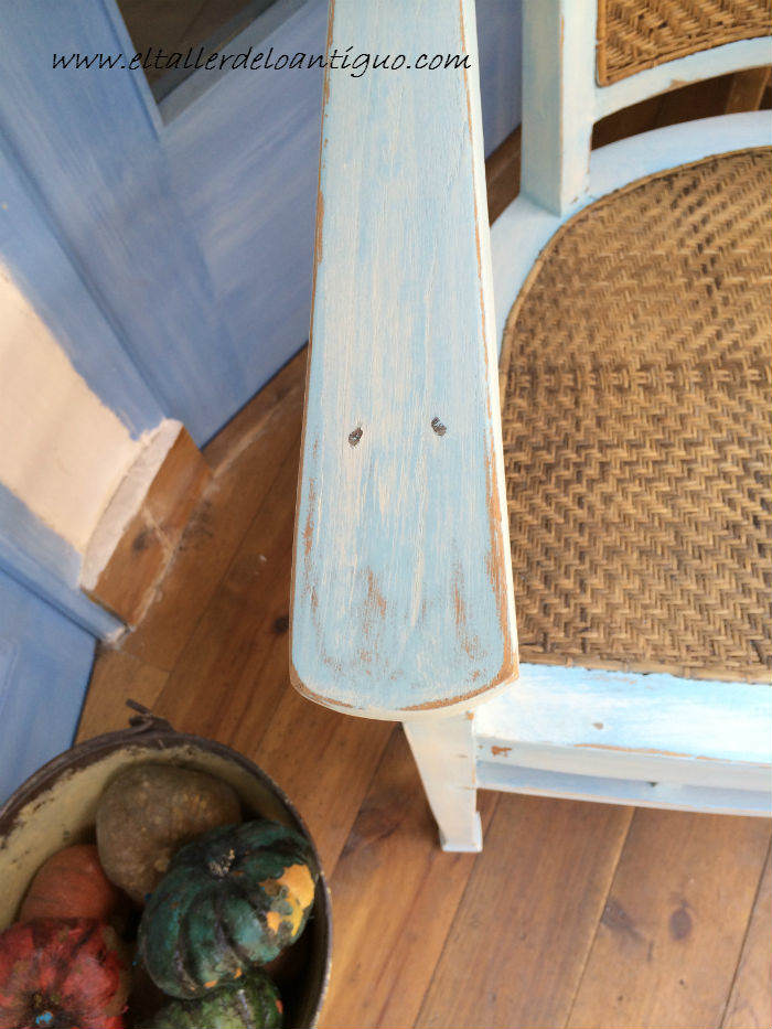 16-shabby-chic-pintar-sillones-de-colores