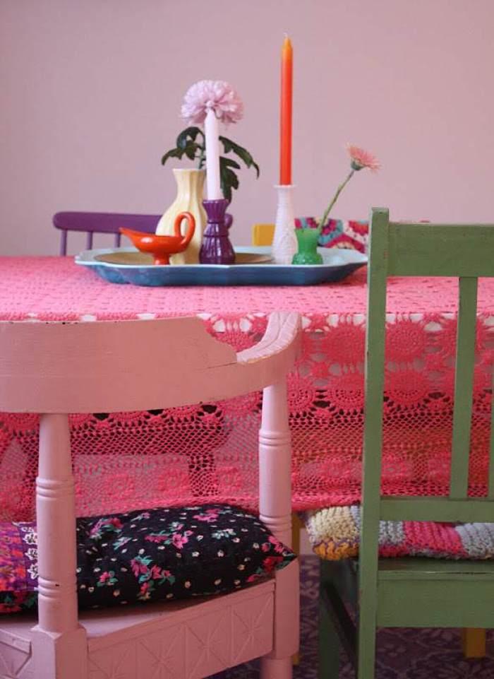 5-Mesas-y-sillas-de-colores