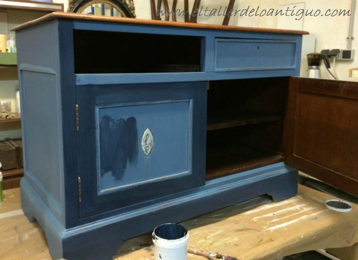 4-Pintura-decorativa-en-un-mueble-ingles