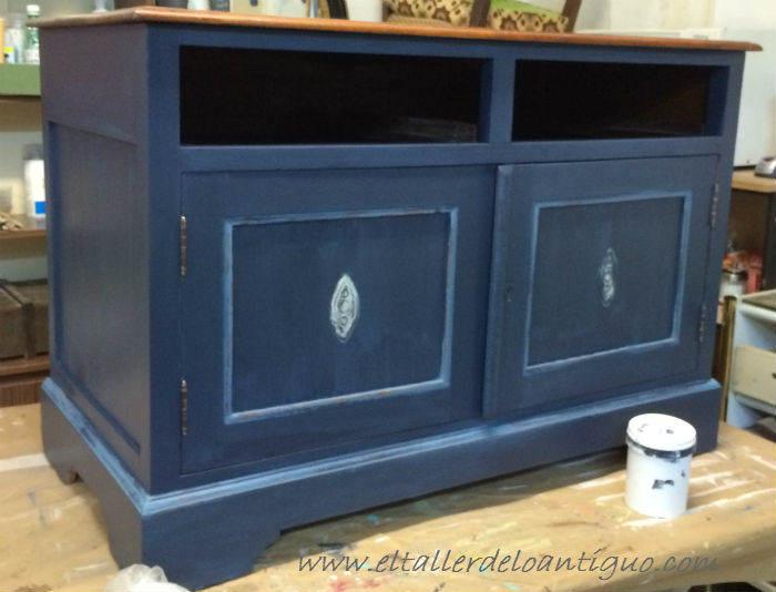 5-Pintura-decorativa-en-un-mueble-ingles