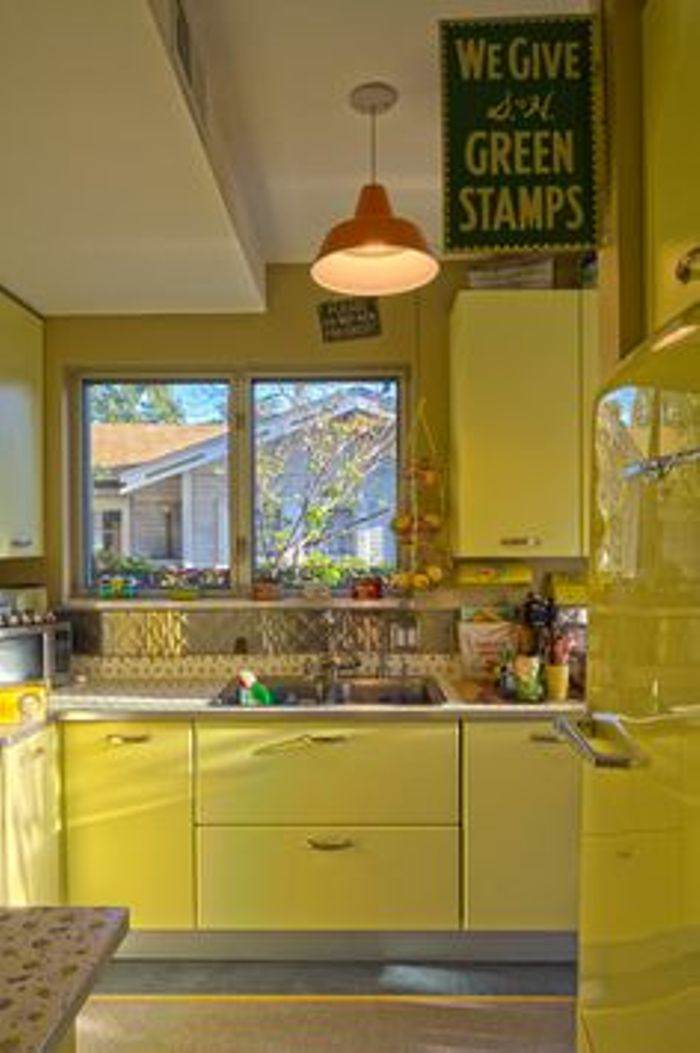 paint yellow kitchen