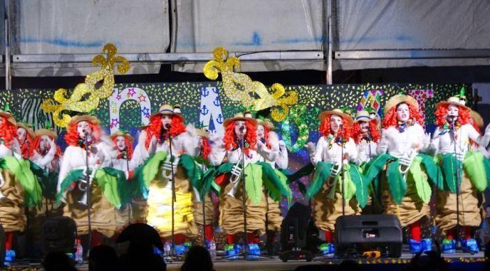 Actuación sábado Carnaval Me parto y Me Troncho'' de Vallehermoso