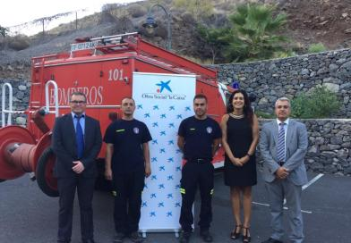 "La Obra Social ""la Caixa"" destina 2.160 euros a los Bomberos Voluntarios de La Gomera"