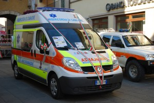 Fig. 18) Renault Trafic mk3, realizzazione del 2011 per la Misericordia di Camaiore - foto Alberto Di Grazia