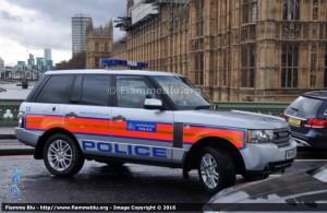 Mezzo della Polizia metropolitana in servizio a Londra, blocco su Westminster Bridge - Foto Marco Sennaroli, Fiammeblu