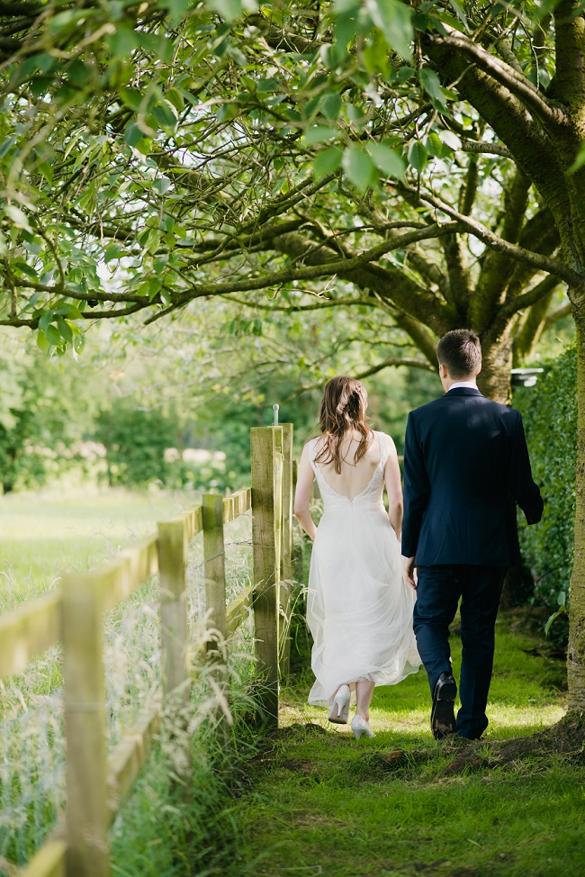 english_country_garden_wedding HILLTOP COUNTRY HOUSE WEDDING PHOTOGRAPHY : SARAH AND ED