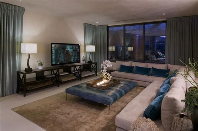 a_luxury_bachelor_pad_fit_for_a_king_640_13