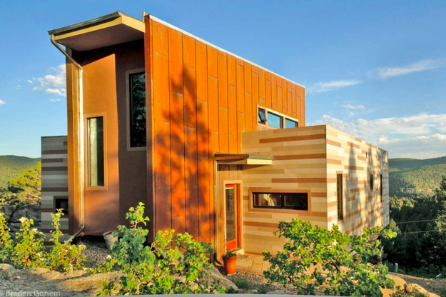 first-shipping-container-home-in-Colorado-1