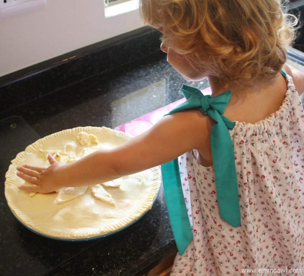 Making a Meat Pie. This is a great food activity to do together with Children.