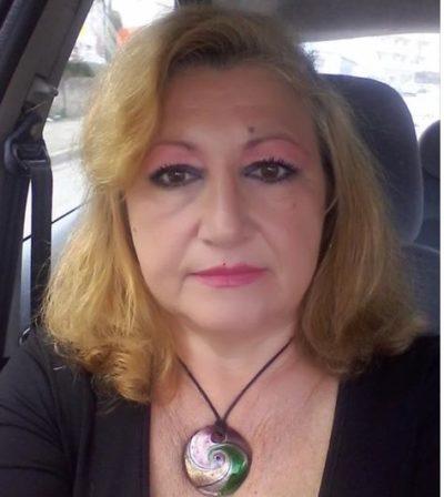 Solidarietà a Carla Leonard e insulti agli insulsi cervelletti