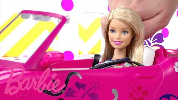 barbie-no-carro