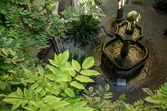 palais épiscopal fontaine-barcelone