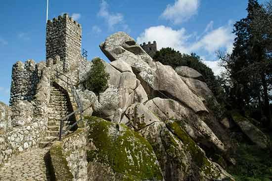 castel-de-mouros-sintra-portugal