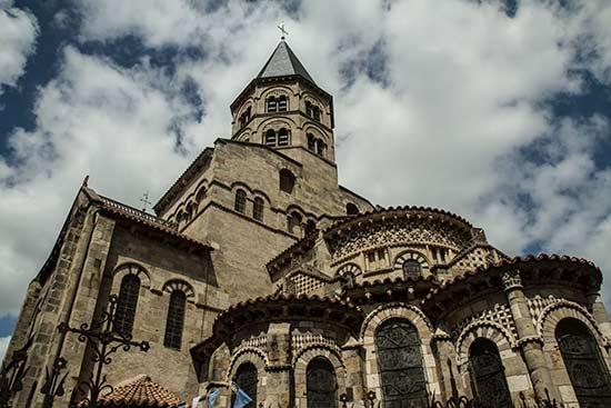 basilique-de-Notre-Dame-du-Port-clermont-ferrand