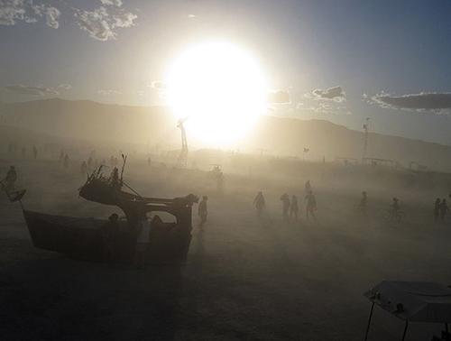 dust_storm_in_black_rocks_desert_n