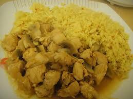 Pollo con Champignones y Curry