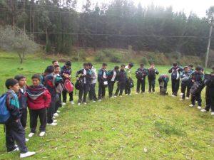 Varios estudiantes en Llio