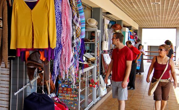 malecon_2000 shopping