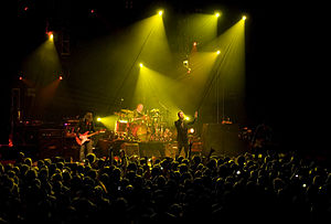 English: A picture of The Verve performing at ...