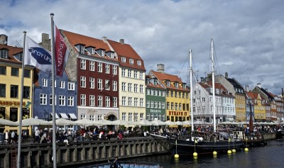 colorful-nyhavn-canal-copehagen