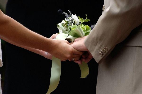 Posso tomar santa ceia mesmo sem ser casada no papel?
