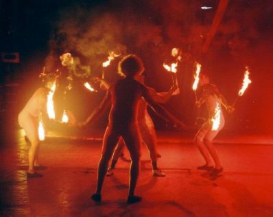 Trupe Circus - O Vendedor de Caranguejo. (2005)