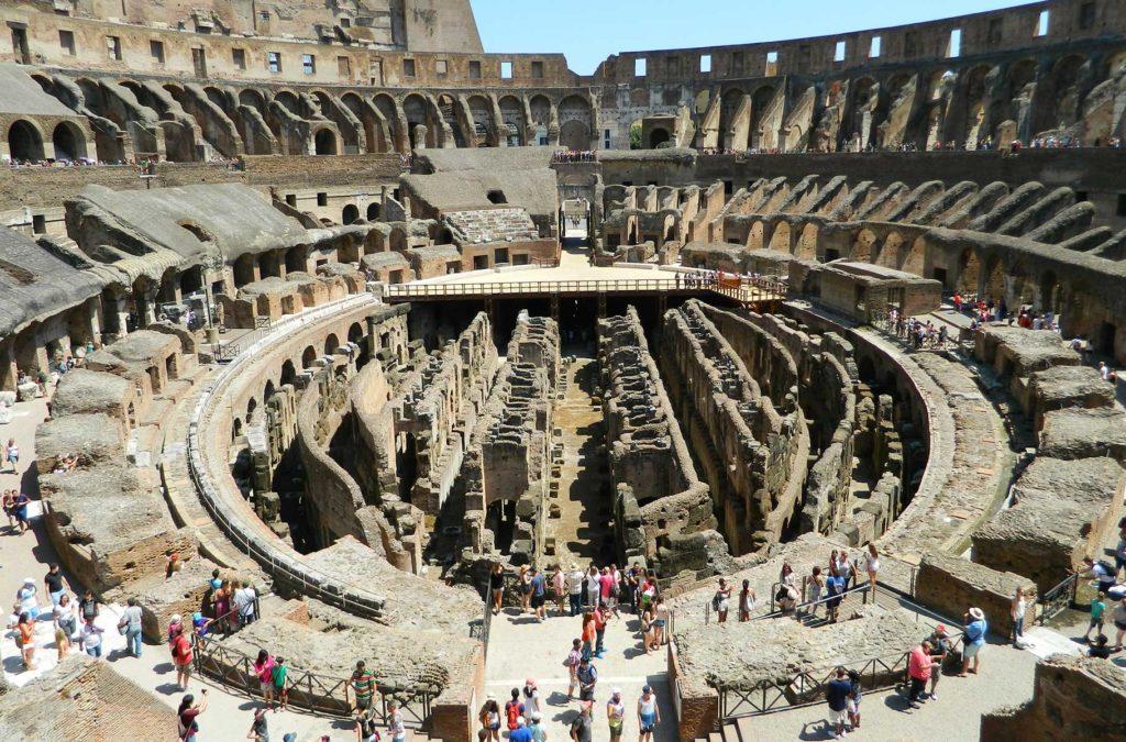 Decepções de viagem - Interior do Coliseu, em Roma (Itália)