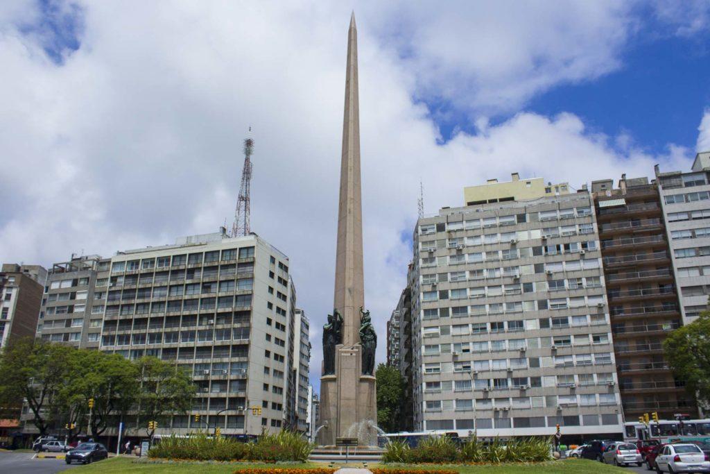 O que fazer em Montevidéu - Avenida 18 de Julho