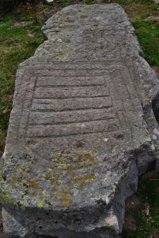 Menhir con grabados