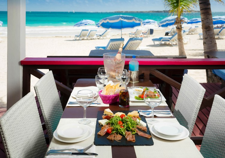 esmeralda-sxm-coco-beach-lunch
