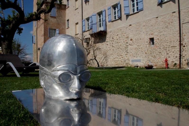 """Gabriele Garbolino Rù, """"FILO D'ACQUA"""", 2010 alluminio, installazione misure variabili h. max 50 cm. Foto: Edoardo Garis"""