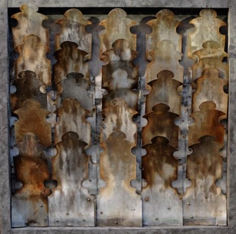 Franco Politano - L'esercito di Latta, legno e ferro, 80x80cm anno 2011 Arionte Arte Contemporanea