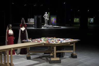 Mike Kelley: Eternity is a Long Time, veduta della mostra, HangarBicocca, Milano Foto Agostino Osio Courtesy Fondazione HangarBicocca, Milano All Mike Kelley works © Estate of Mike Kelley All rights reserved