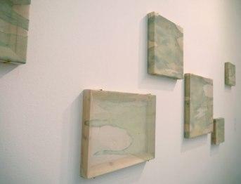 Kaori Miyayama, I nostri percorsi, 2013, xilografia, filo cucito,seta, cornice in legno, cm 20x20, 30x30, 30x40, 40x40, installazione dimensioni variabili