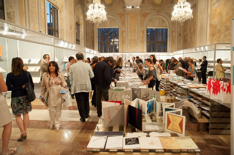 La mostra-mercato a Palazzo Re Enzo