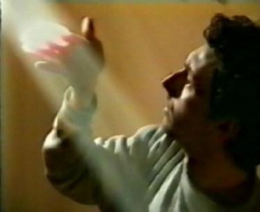 """VideoArtVerona, Le lacrime degli eroi: Simone Berti, Senza Titolo, 1993, 5'24"""" Courtesy dell'artista e Benedetta Spalletti, Pescara"""