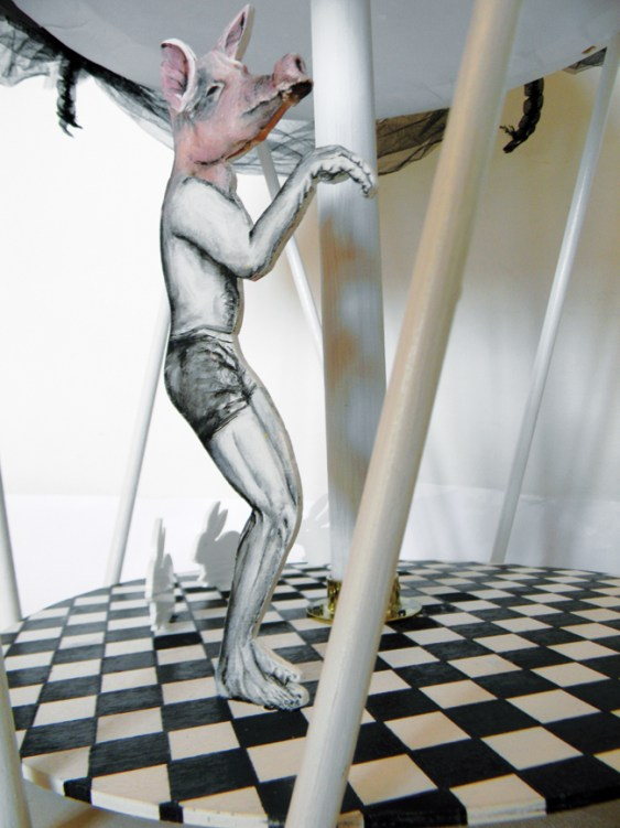 Lara Pacilio The Family Man, 2012 installazione meccanica mechanical installation cm 100x60