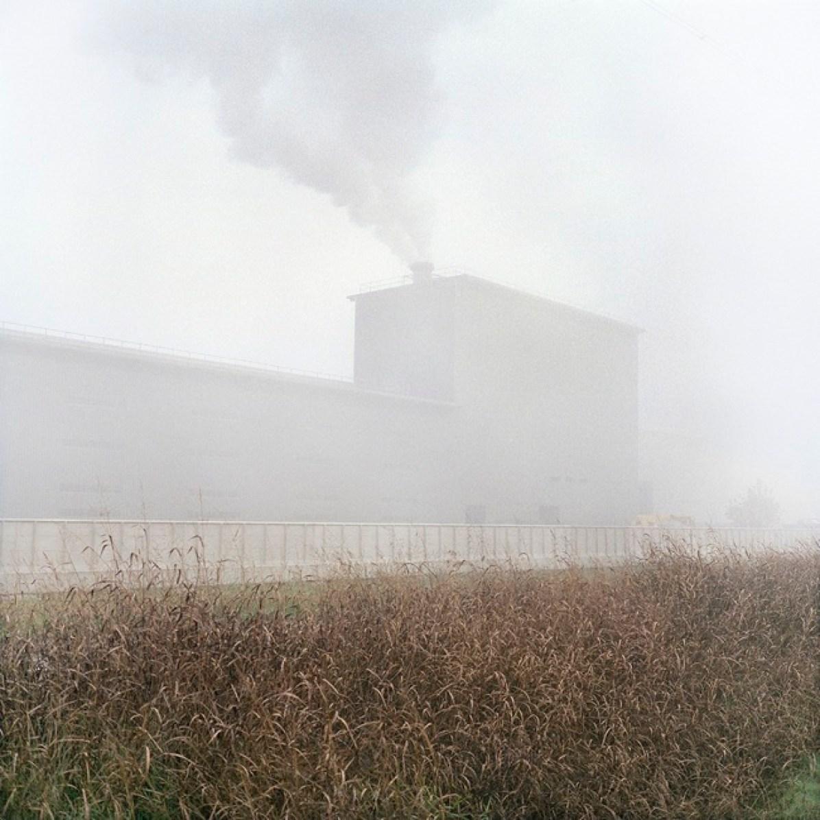 Quattro, TerraProject Photographers, Cremona, novembre 2010. La nuova zincheria di Arvedi. La societ?? siderurgica ?? tra i principali responsabili dell???inquinamento atmosferico della città