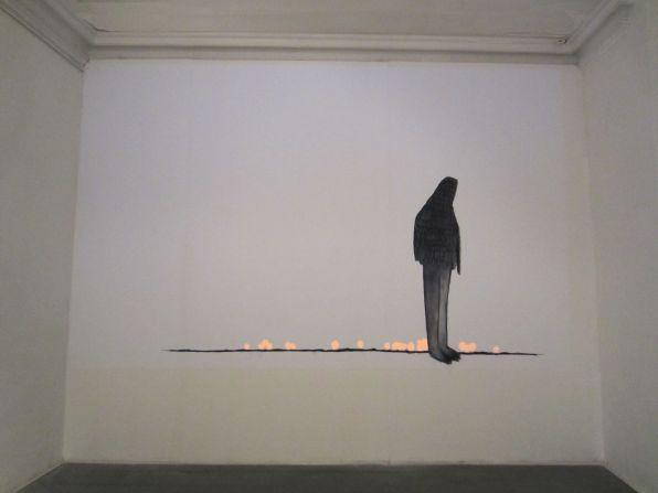 Elisa Muliere, Icaro deve cadere, 2014, veduta della mostra con installazione video site-specific