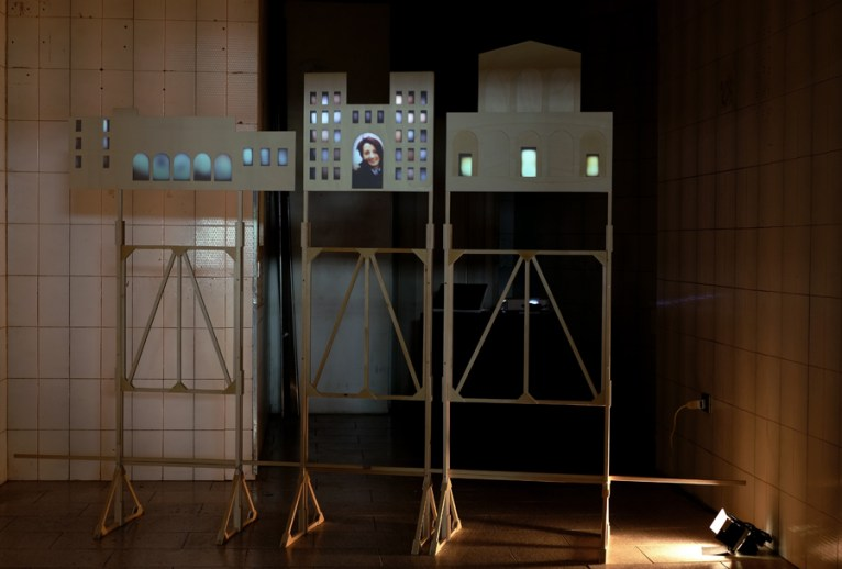 Daniele Spanò, Habitat (2014) Videoinstallazione Legno, telo per retroproiezione cm 200 x 300 x 58 Photo credits Andrea Papi